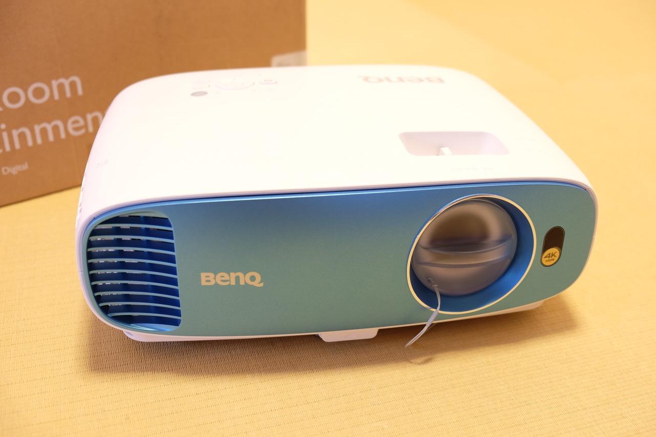 BenQ プロジェクター TK800 13