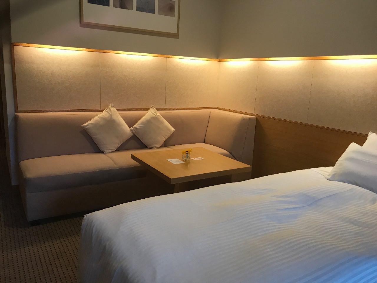 札幌 ホテル クラビー 部屋 ソファ