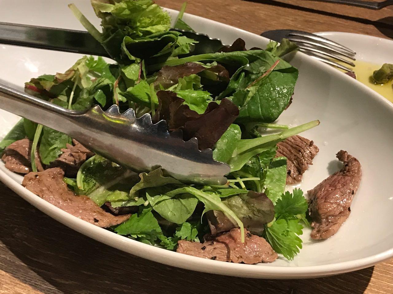 ランプキャップ渋谷店 香草サラダ