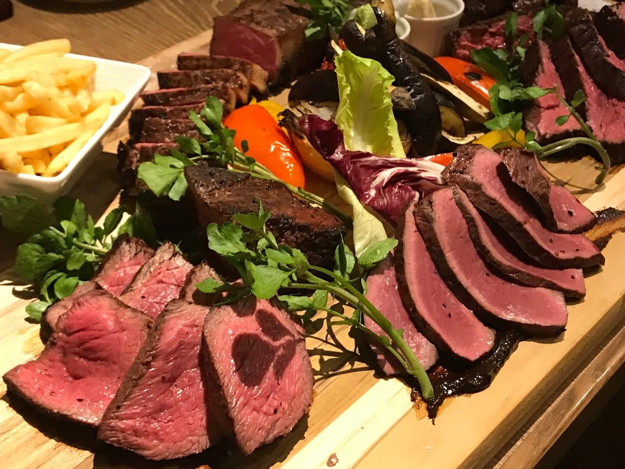ランプキャップ渋谷店 肉の盛り合わせ