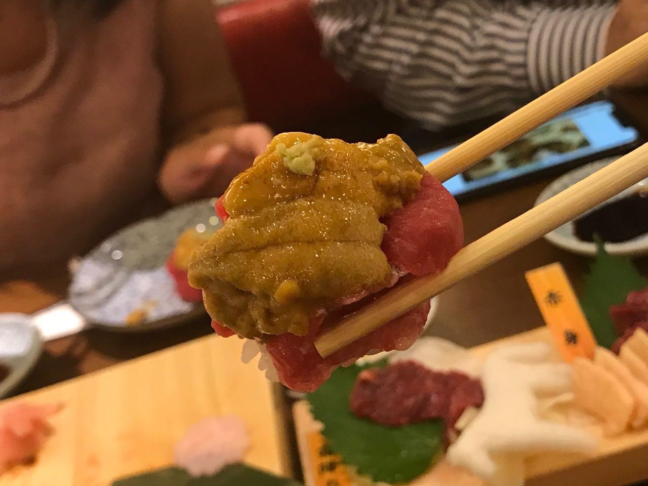 馬肉酒場 三村 雲丹のコラボ寿司