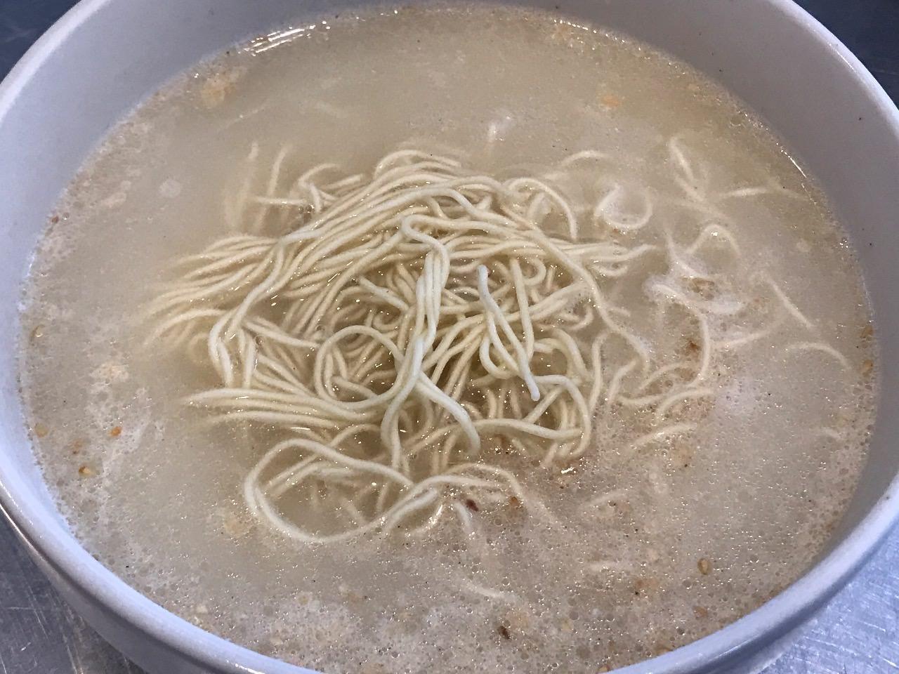 広瀬すずの明星「ノンフライ チャルメラ バリカタ麺 豚骨」が本物の豚骨ラーメンみたいで誠に美味い【感想】