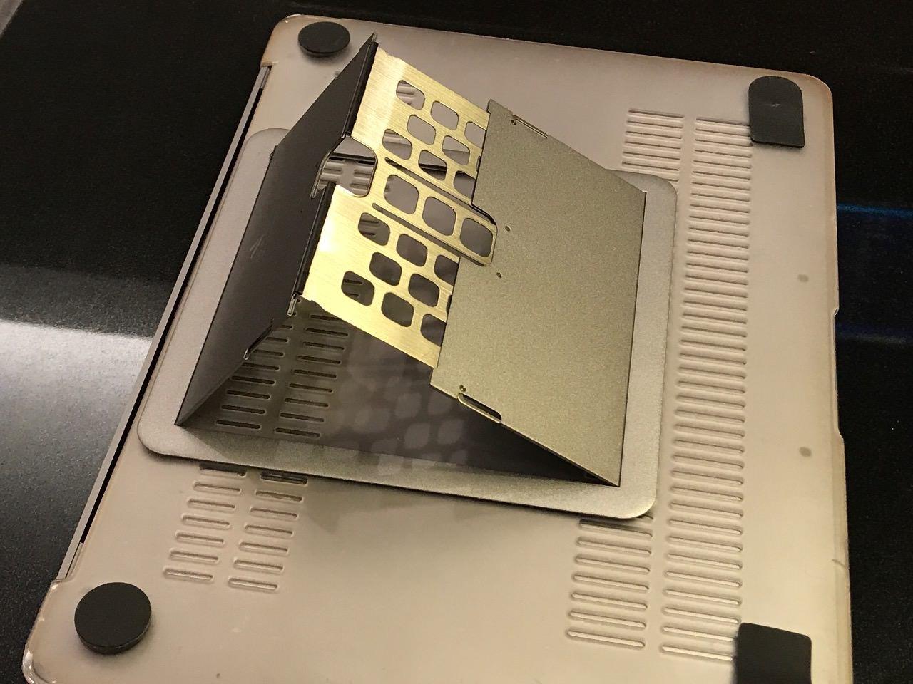 MacBook/MacBook Pro用の世界最薄スタンド「Majextand」レポート
