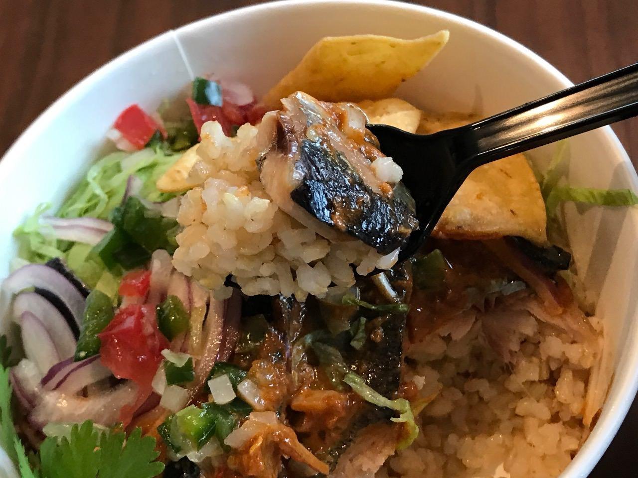 秋刀魚のタコライス 美味い