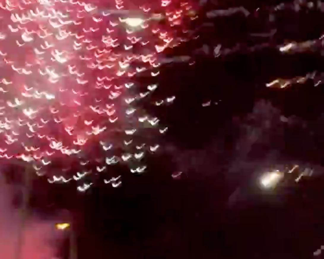 「土浦花火大会」スターマインが地上付近で破裂し観客にけが → 強風で中止に