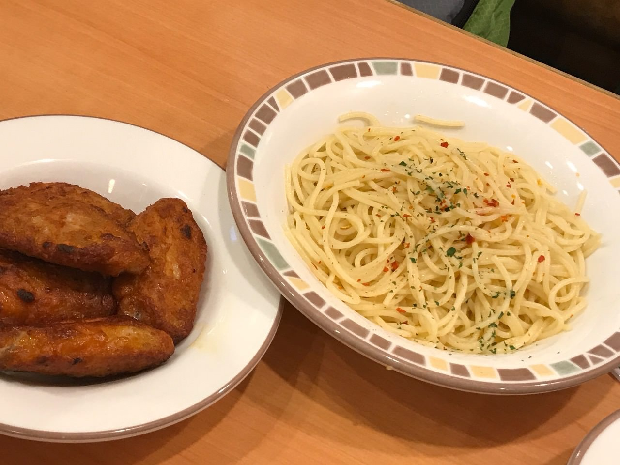 【サイゼリヤ】辛味チキンバラシでチキンなペペロンチーノ