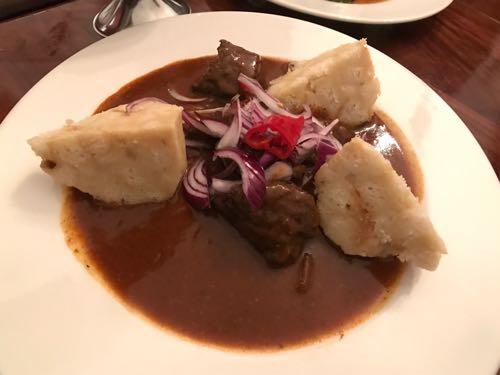 「Zámek Zábřeh(ザーメック・ザーブジェフ)」日本人もチェコ料理の美味さに唸るブルワリー併設のレストラン