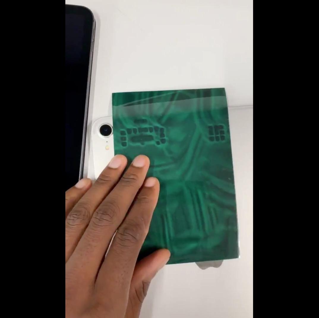 【動画あり】マグネットペーパーで「iPad Pro」の磁石の位置が分かる