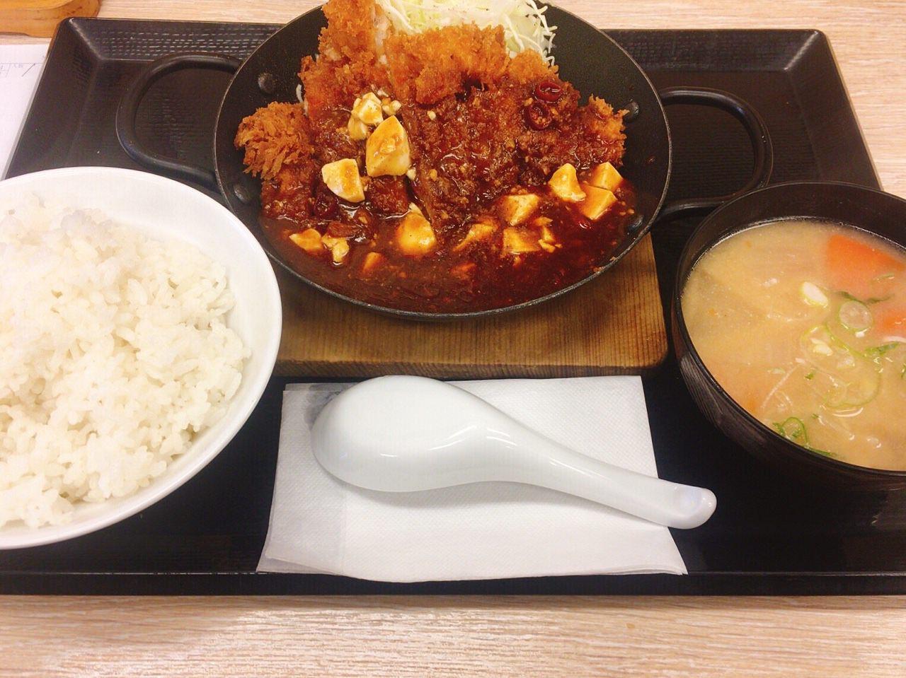 「麻婆チキンカツ定食・麻婆チキンカツ丼」03