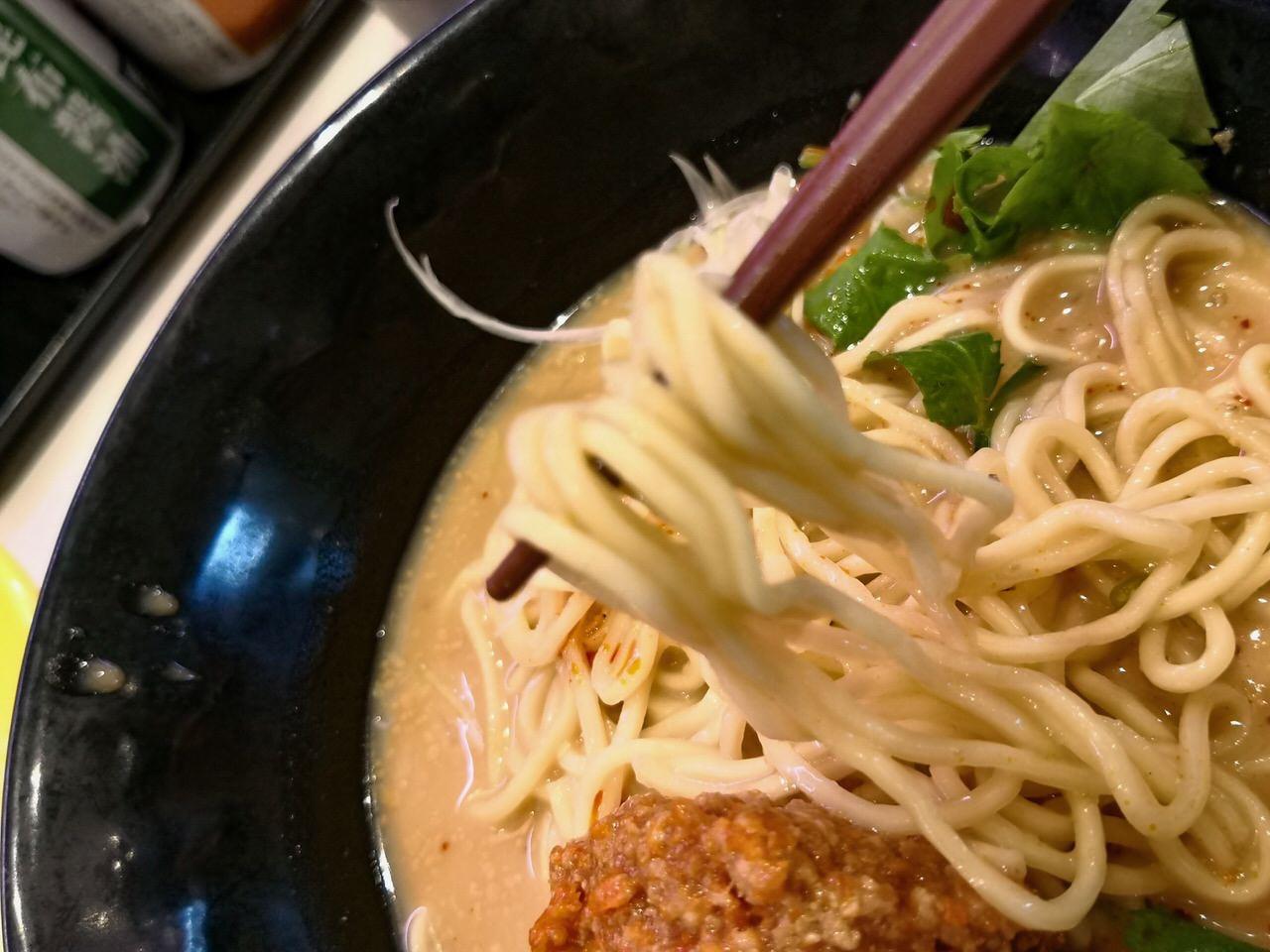 はま寿司の夏メニュー「冷やし担々麺」6