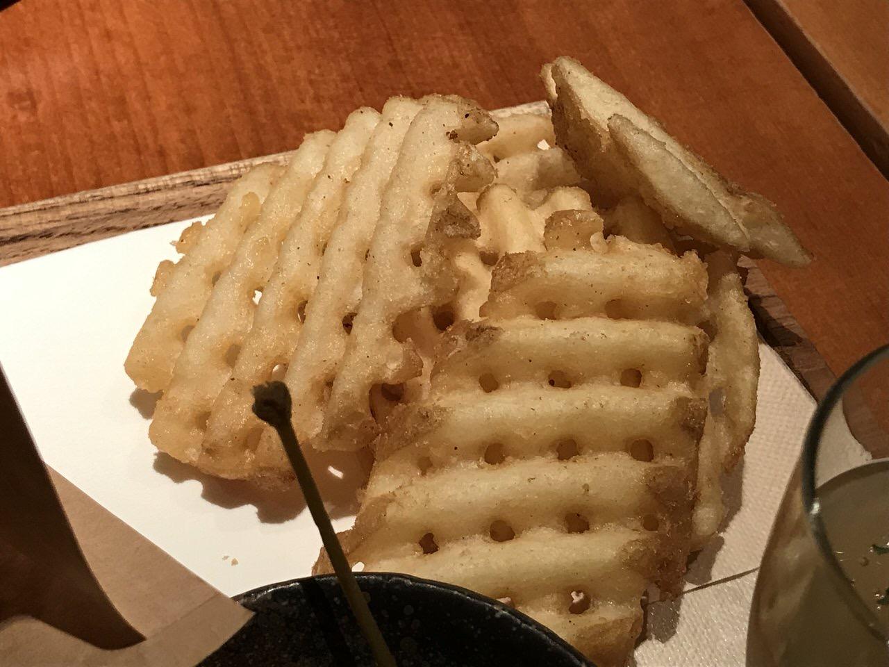【豚組食堂】「チーズ in メンチかつバーガー」9