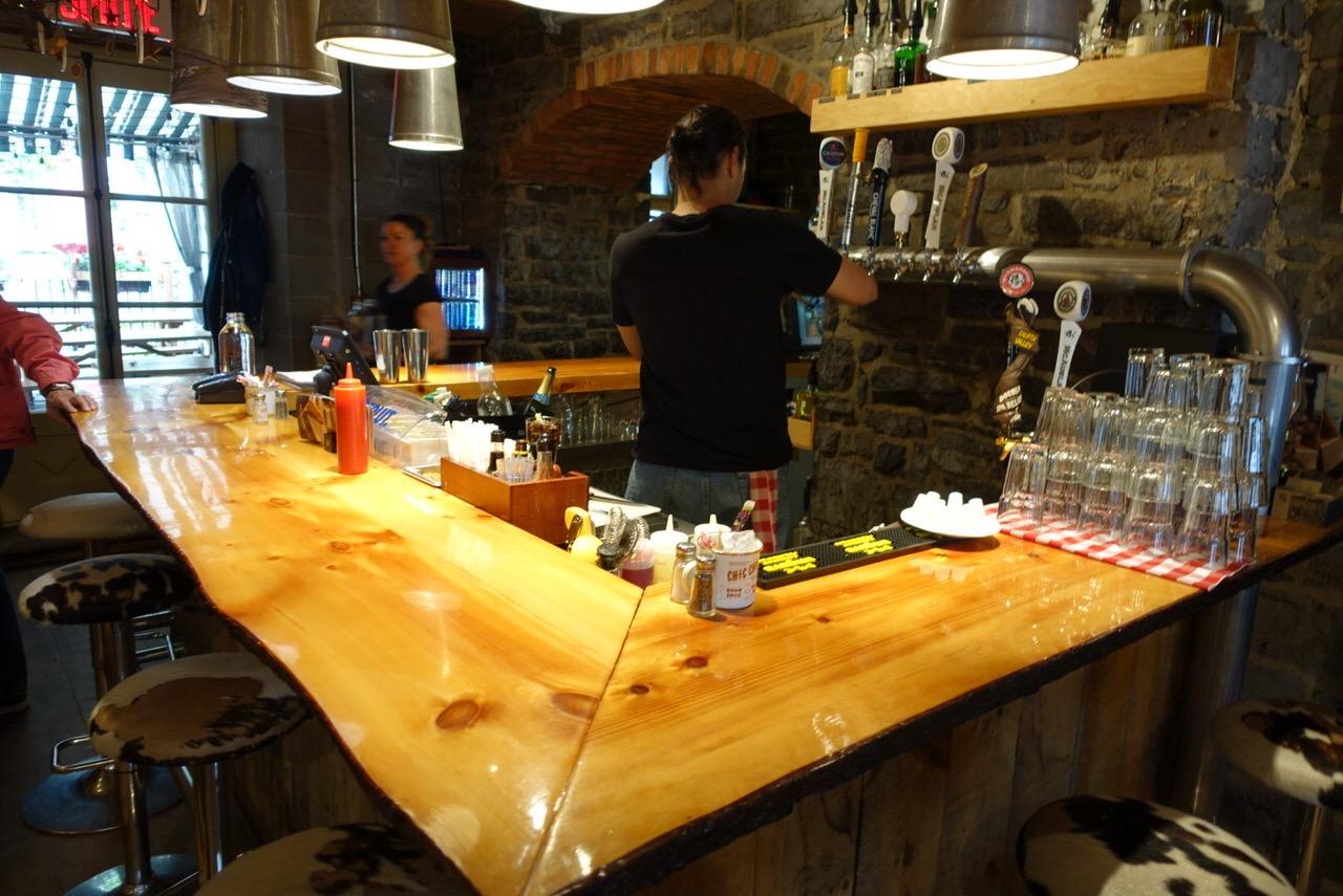 シュガーシャックのケベック料理「La Buche」3