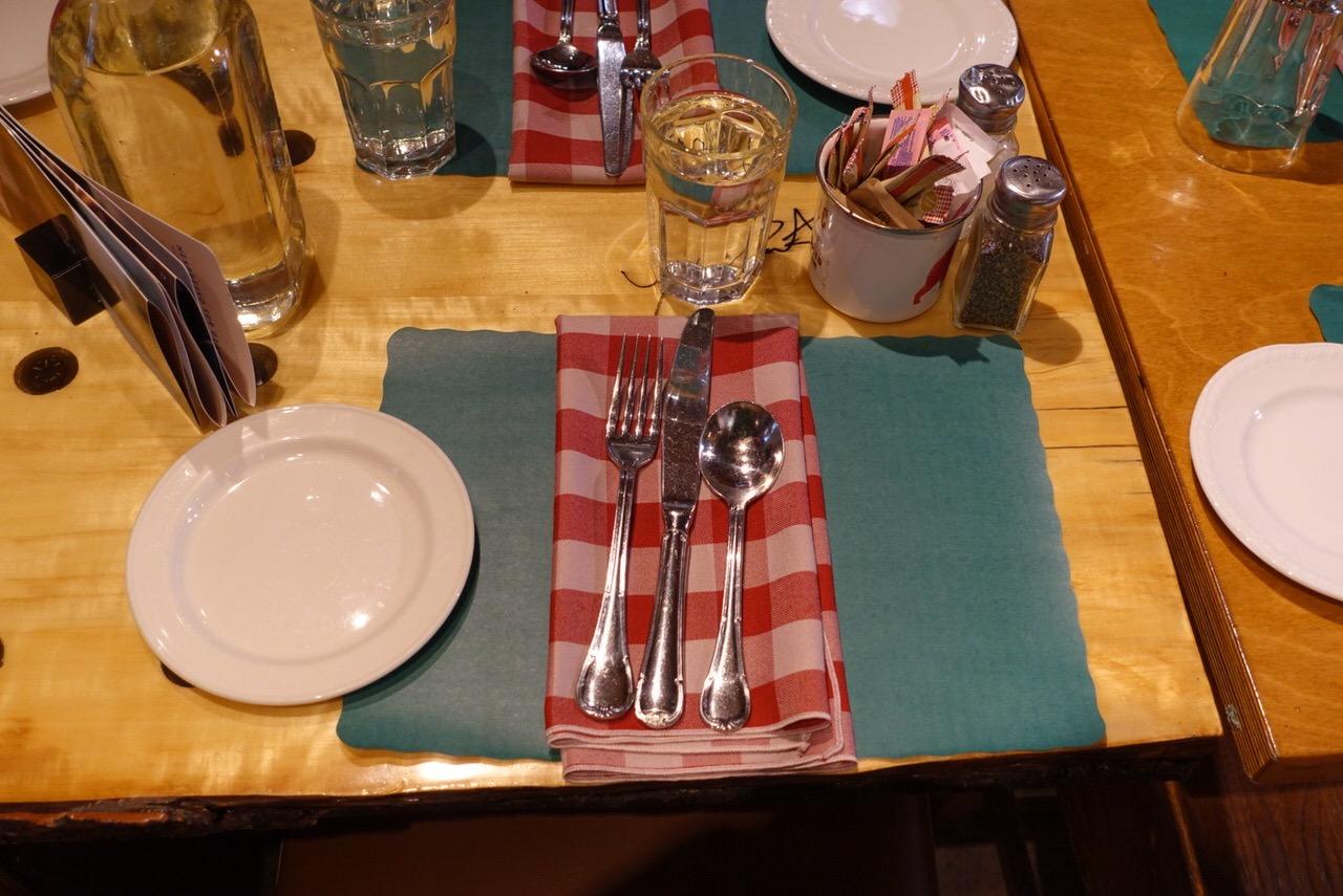 シュガーシャックのケベック料理「La Buche」5