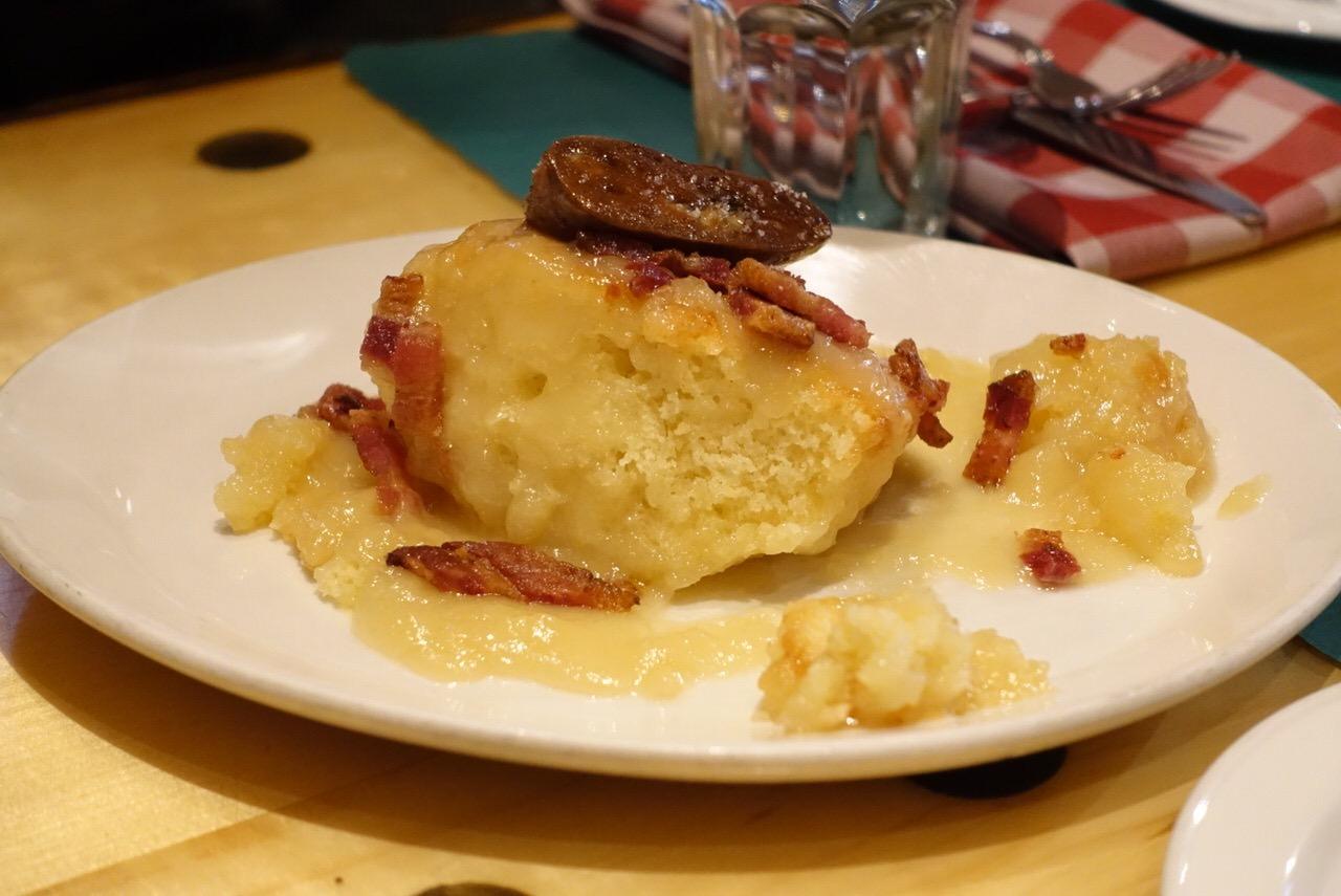 シュガーシャックのケベック料理「La Buche」6