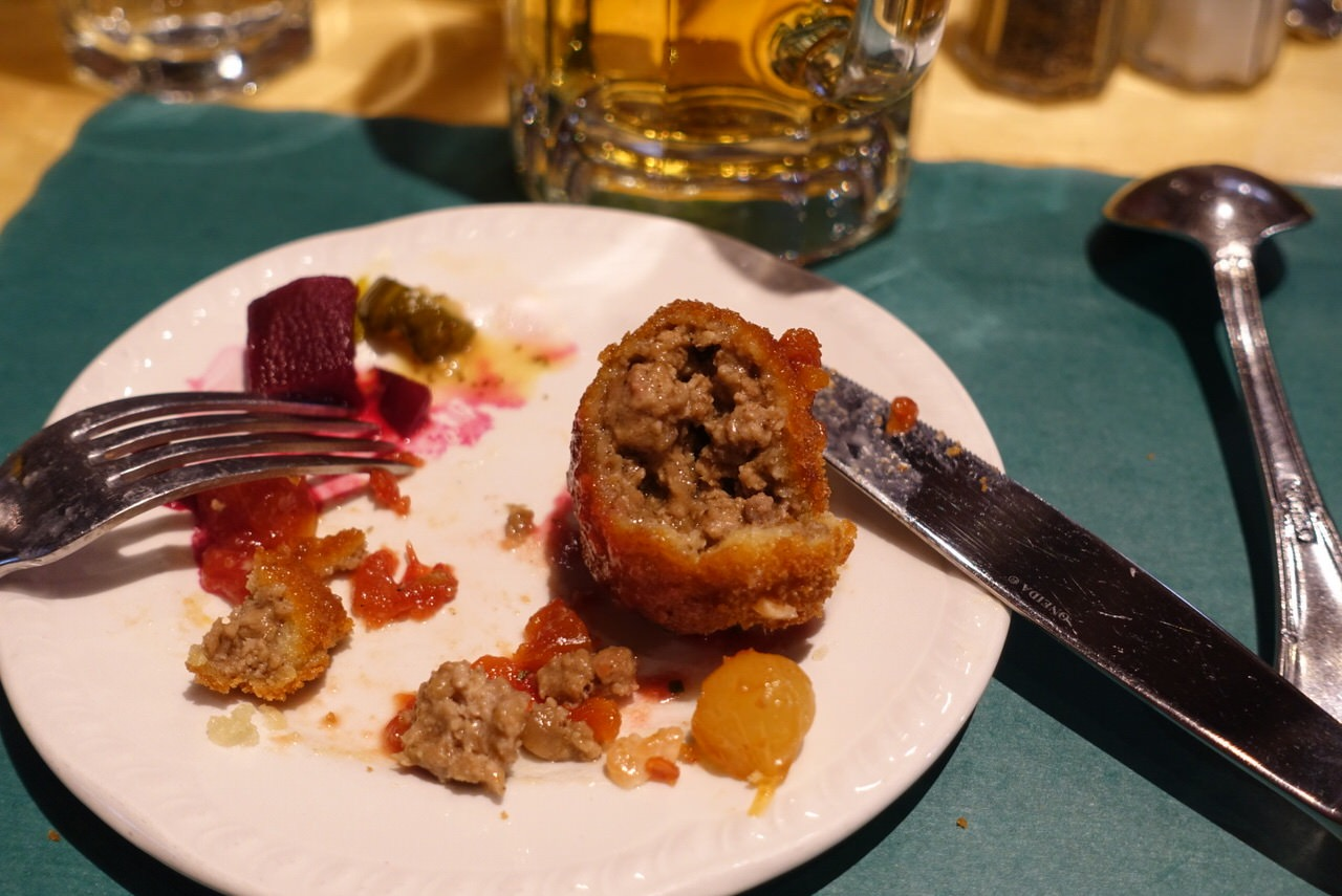 シュガーシャックのケベック料理「La Buche」13