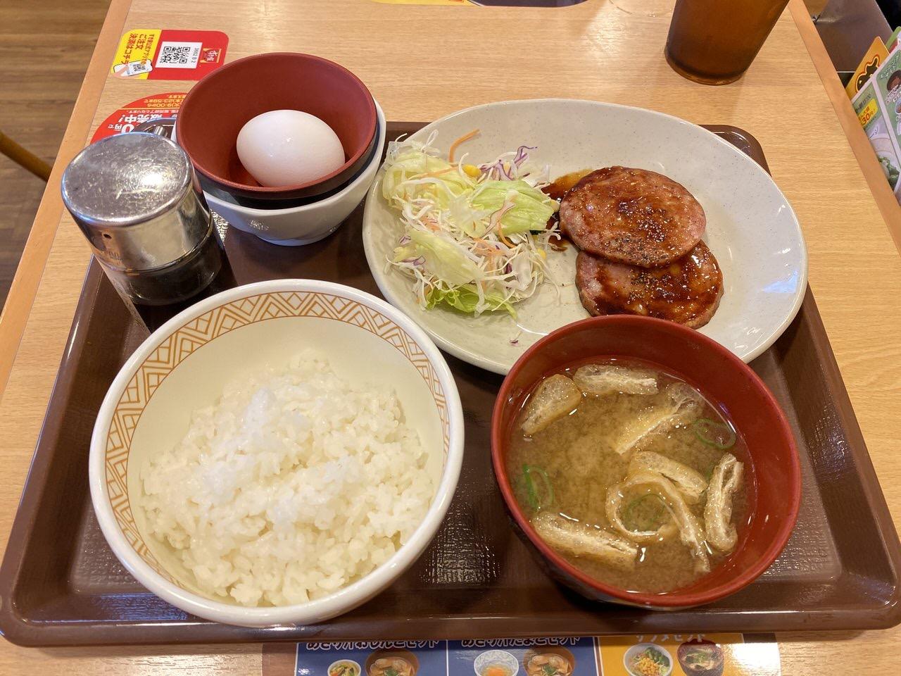 「あらびきソーセージ定食」2