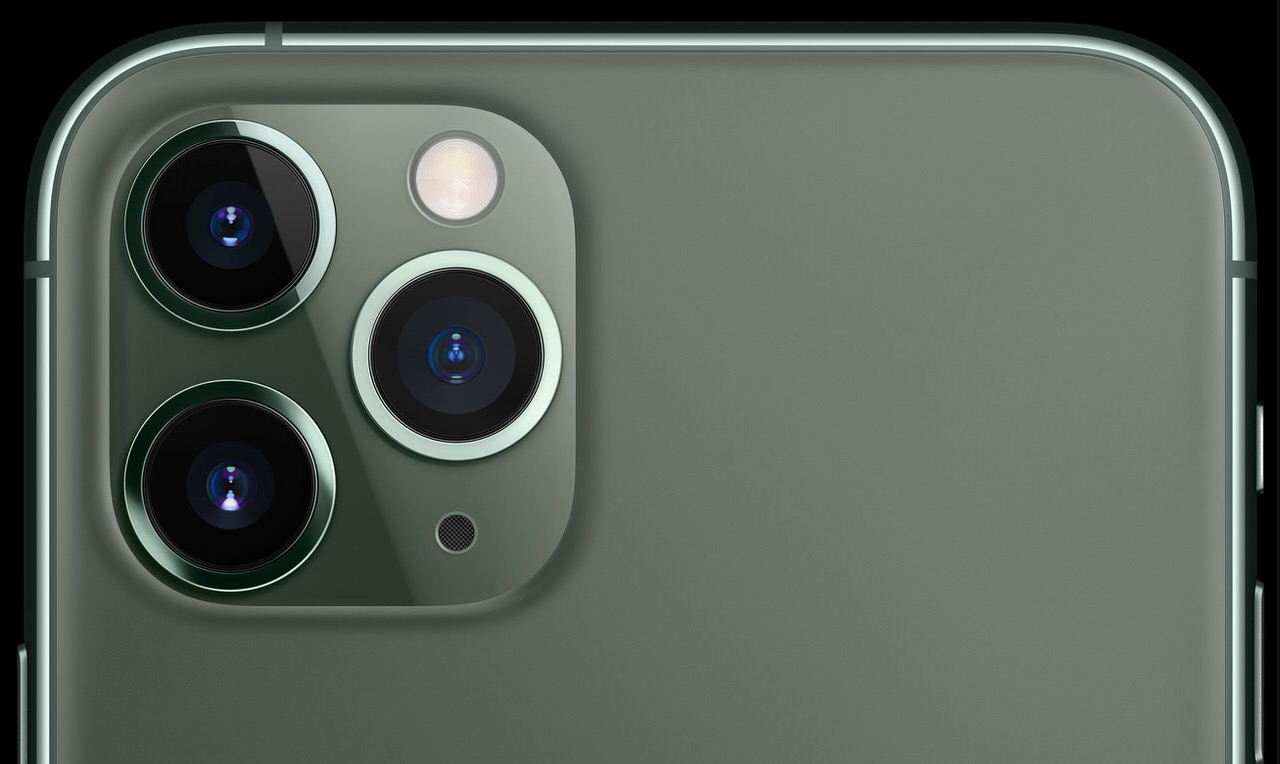 「iPhone 11 Pro Max」アンテナは立っているのに突然回線が繋がらなくなる症状が発生中 → 再起動でしか直らない