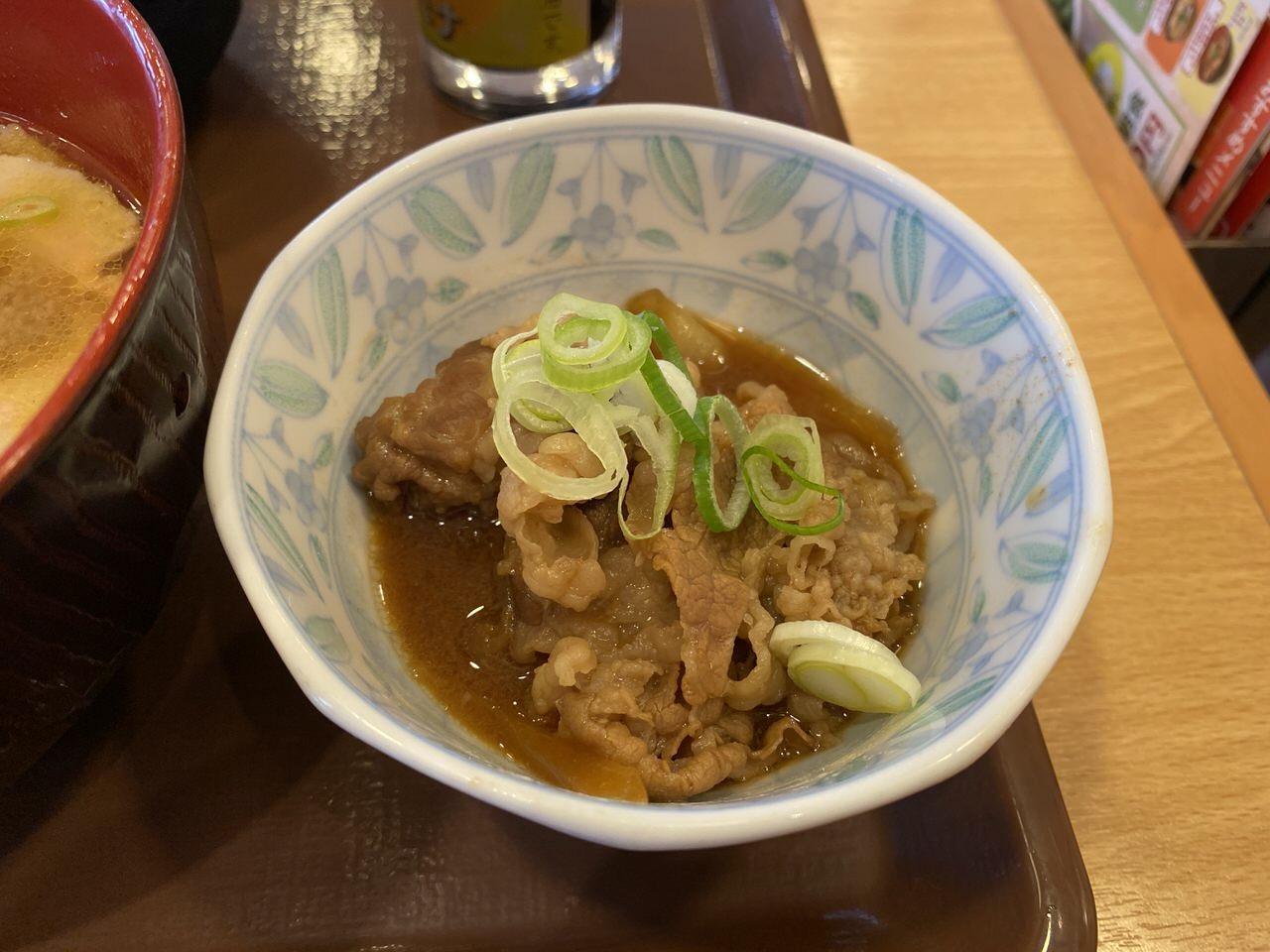 すき家の朝食で味噌汁を豚汁に変更 4