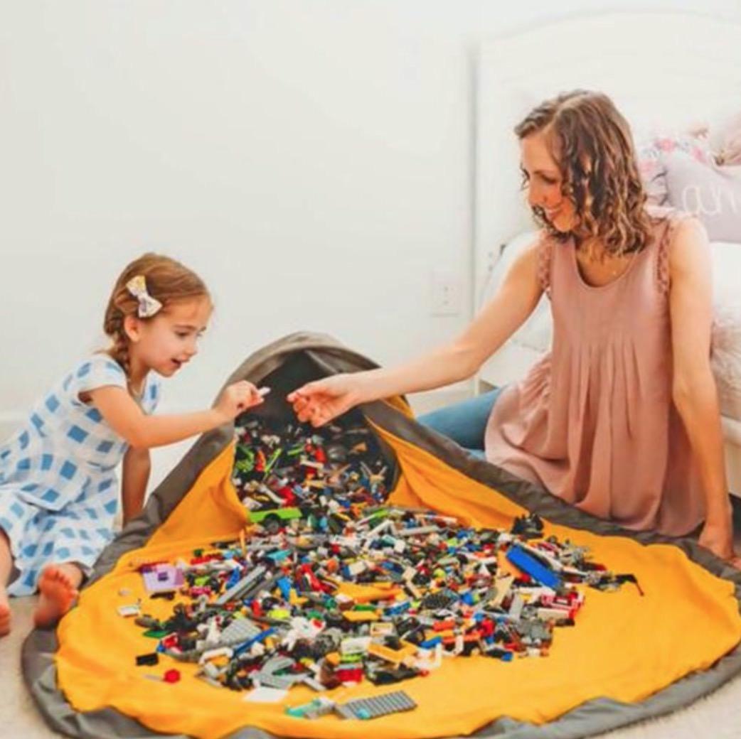 レゴなどの細かいおもちゃで遊んだ時に圧倒的に後片付けが楽になるおもちゃケース