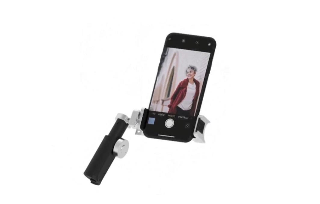 iPhoneで写真・動画撮影時に便利なグリップ「ShutterGrip 2」