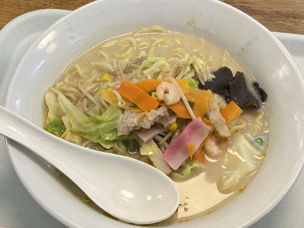 「春秋航空」搭乗手続き→機内食 10