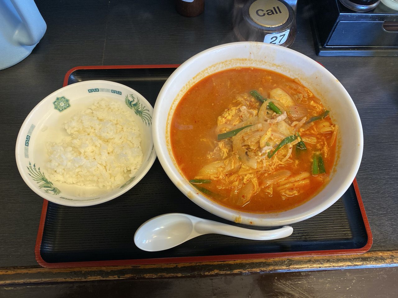 日高屋「チゲ味噌ラーメン」チゲ味噌丼 1