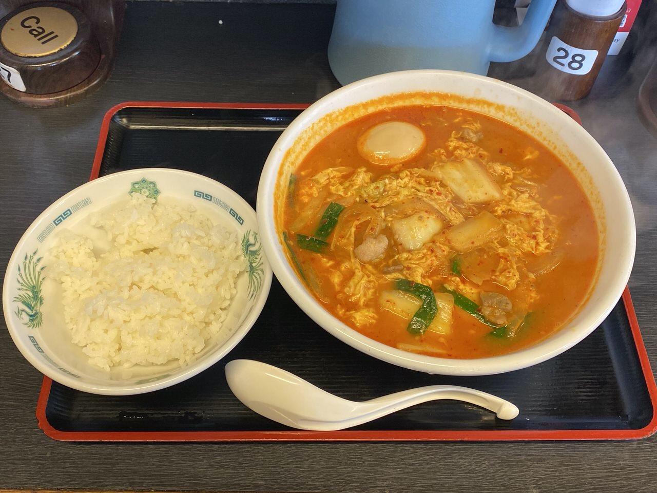 日高屋「チゲ味噌ラーメン」味付け卵 1