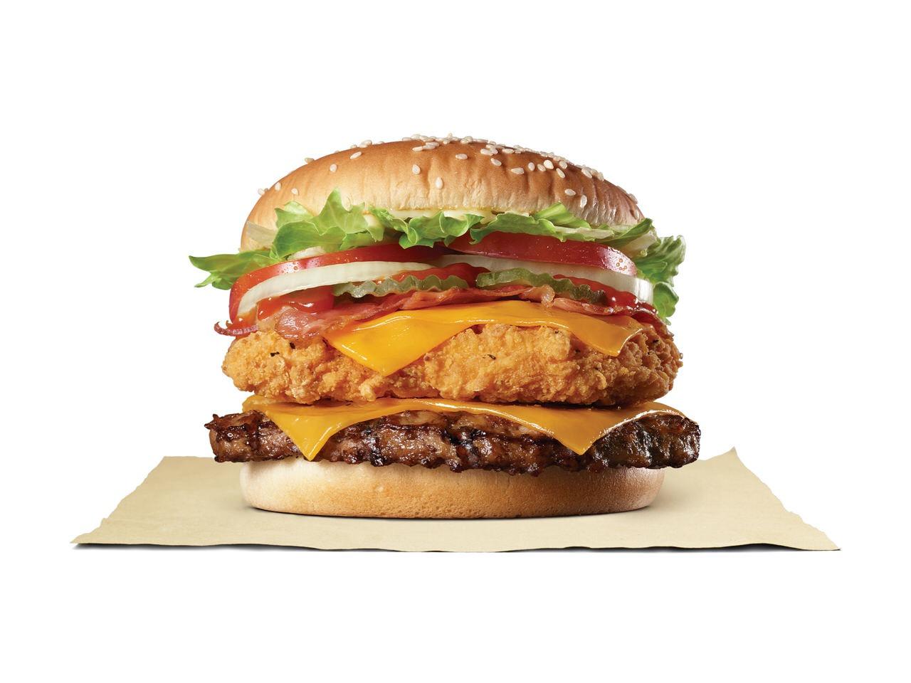 ビーフとチキンを重ねる!バーガーキング最大ボリュームの「デラックスチキンワッパー」3月6日より発売開始