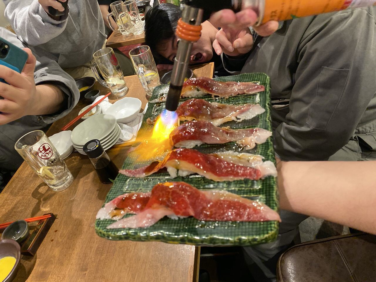 「秋葉原 肉寿司」24
