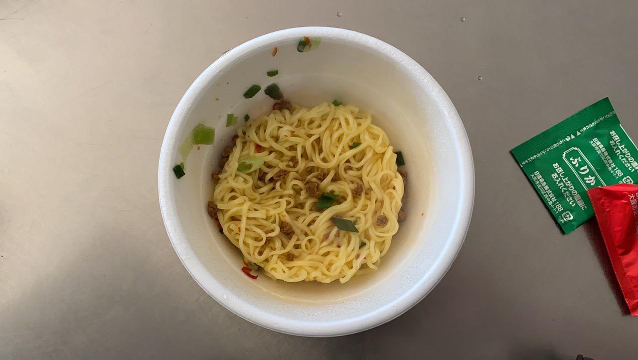 【セブンイレブン】「鳴龍 汁なし担担麺」4