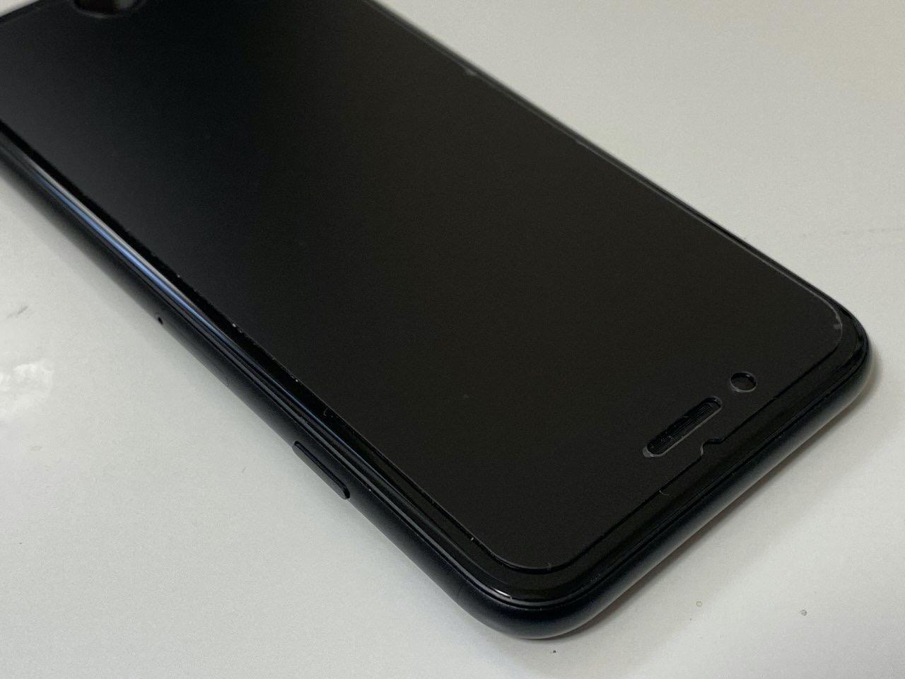「iPhone SE」液晶保護ガラスはSE専用 6