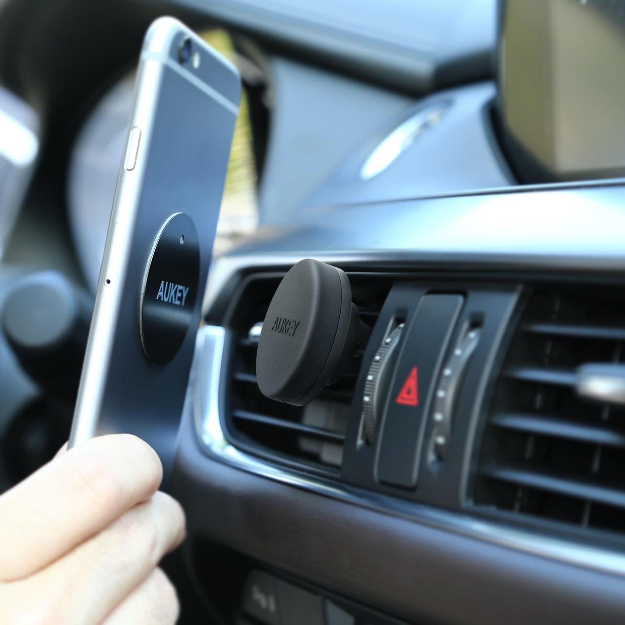 AUKEY、マグネット式&取り付けが簡単なスマホ車載ホルダー「HD-C5」Amazonで22%オフの699円