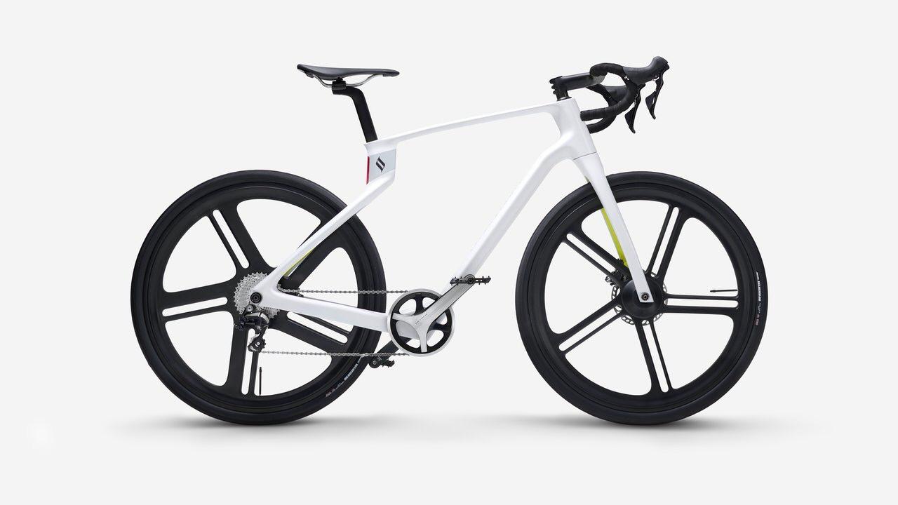 3Dプリンタで創る自分専用のユニボディ・カーボンファイバー製自転車「Superstrata(スーパーストラータ)」クラウドファンディング開始から24時間経たずに1億円突破