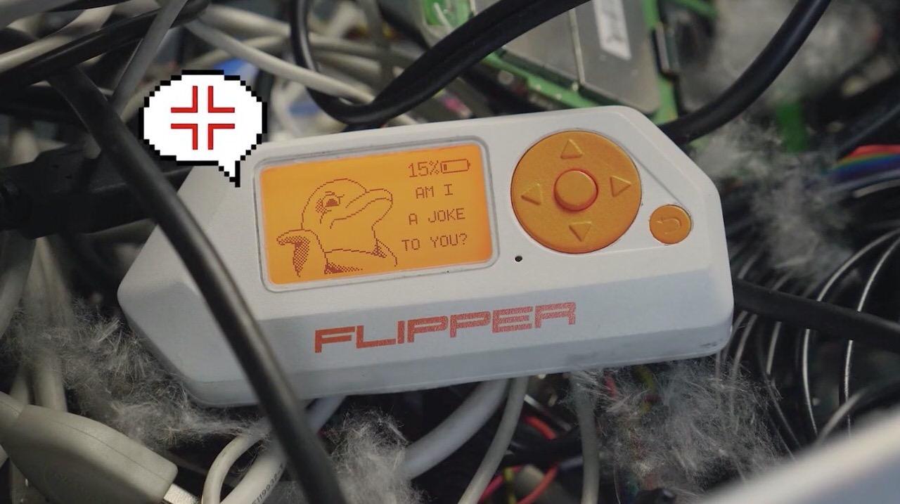 8bit感がたまらない!ハッカー向けたまごっち「Flipper Zero」RFIDエミュレートなど色々できるけどとにかくイルカがかわいい