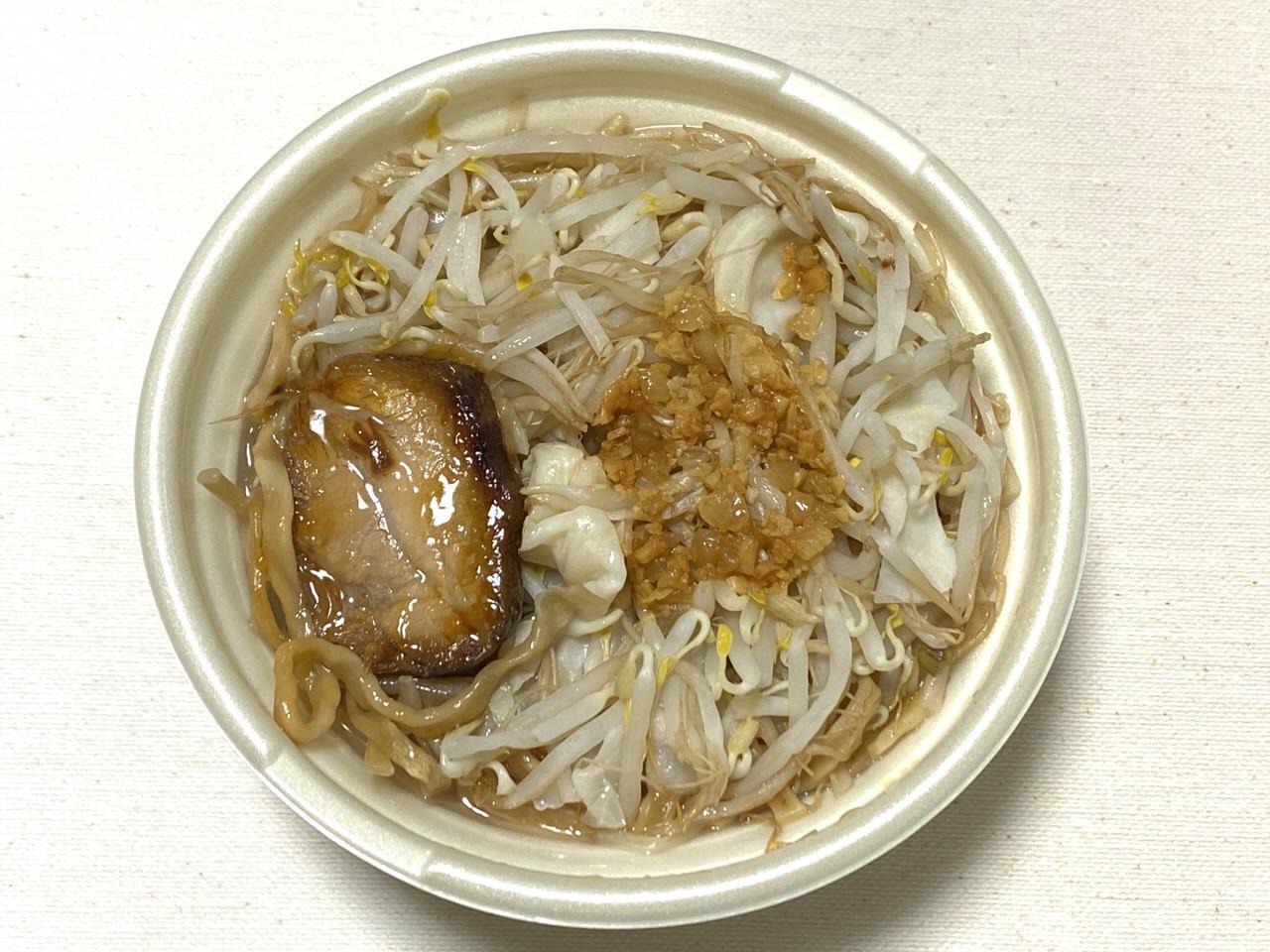 【セブンイレブン】二郎系ラーメン「中華蕎麦 とみ田監修 豚ラーメン」4