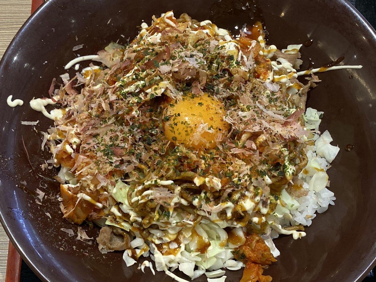 【すき家】いろんな味がして正解が分からなかった「お好み牛玉丼 広島Mix」