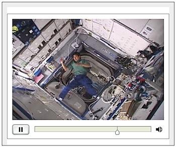 土井宇宙飛行士が軌道上で撮影したブーメランの動画