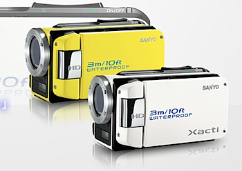 光学ズーム30倍&防水な潜水艦型HDデジカム「Xacti DMX-WH1」
