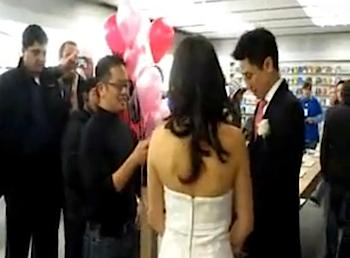 なんとApple Storeで結婚式しちゃったカップルがいる