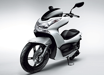 ホンダ「PCX」スタイリッシュな125ccスクーター