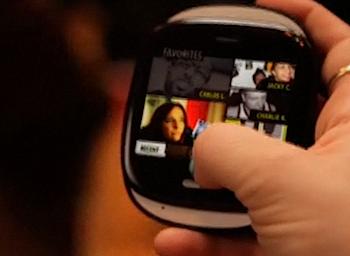 マイクロソフトのソーシャル連携に特化したスマートフォン「KIN ONE/TWO」