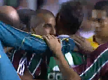 元浦和レッズのワシントンとエメルソンがフルミネンセでチームメイトに、豪快ゴール動画