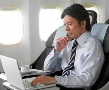 JAL、国際線でインターネット接続サービス開始へ