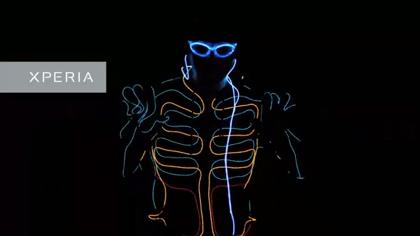【動画】XperiaテレビCM 「LEDダンス」WRECKING CREW ORCHESTRA