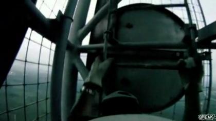 【高所恐怖症は注意】高過ぎて見ているだけで足元がヒュンヒュンしちゃう動画