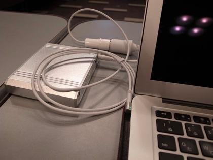 MacBook用外部電源「HyperJuice」でノマドワークの安心感が3倍増中!