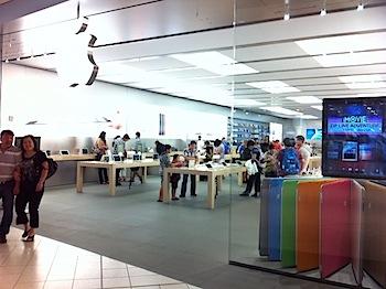 【ネタフル・カナダ支局】カルガリーのApple Storeに行ってみた