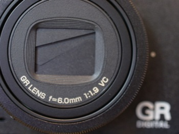 「GR DIGITAL IV」淡々と静かに時に情熱的に撮るカメラ