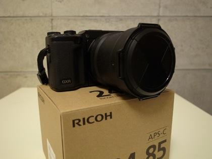 「A16 24-85mm F3.5-5.5」コンデジの使い勝手と一眼レフの写りの良さ&単焦点レンズ6本分の機能を有したGXR用カメラユニット