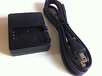 長すぎるリコー「GXR」のバッテリチャージャーのケーブルをなんとかする電源プラグ